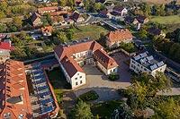 Zamek w Wierzbicach - Zdjęcie lotnicze, fot. ZeroJeden, X 2019