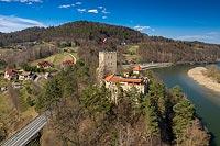 Zamek Tropsztyn w Wytrzyszczce - Zdjęcie lotnicze, fot. ZeroJeden, IV 2021