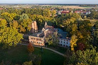 Zamek w Żmigrodzie - Zdjęcie lotnicze, fot. ZeroJeden, X 2019